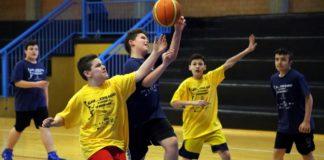 manifestazione di basket alle scuole medie ferraris di modena