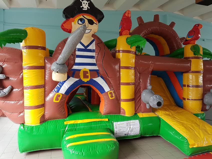 gonfiabile-pirata-area-replay-formigine-centro-giochi