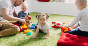 English Labs for babies -- UPPITY UPPITY UP WITH MUMMY AND DADDY! @ Helen Doron English Modena |  |  |