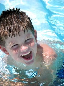 bimbo piscina
